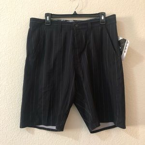 ❗️NWT❗️Oakley Black Stripe Short